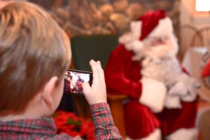 sundays-with-santa-at-lake-crescent-lodge_16